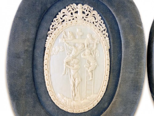 Ivory reliefs showing scenes from the life of Christ. French, 18th/19th cen - Religious Antiques Style
