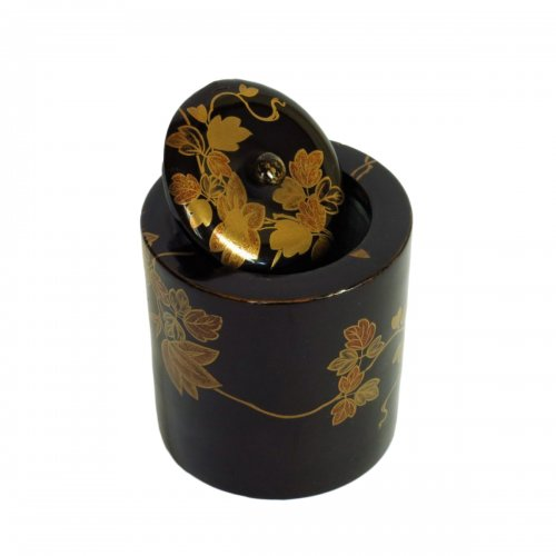 Japanese lacquer incense box urushi with a receptacle of burnt incense