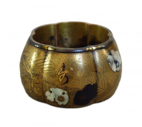 Rare small japanese lacquer incense box – Akoda Koro