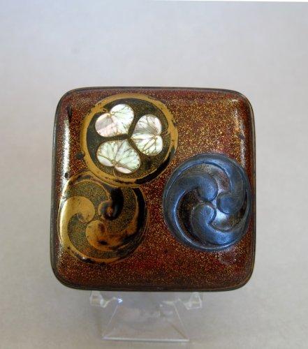 Asian Art & Antiques  - Kôgô – Japanese incense lacquer box, Japan Edo
