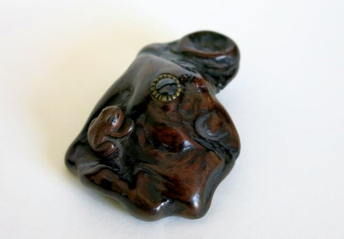 Netsuke – a tree-frog on a piece of wood Japan Edo - Asian Art & Antiques Style