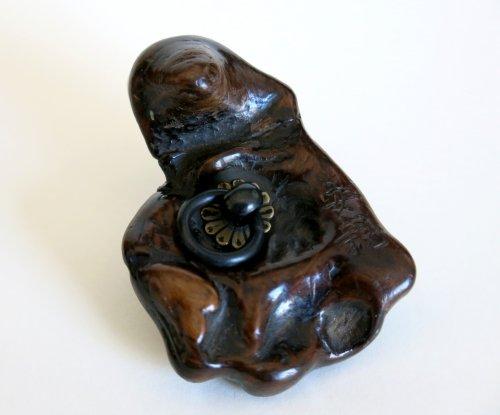 19th century - Netsuke – a tree-frog on a piece of wood Japan Edo