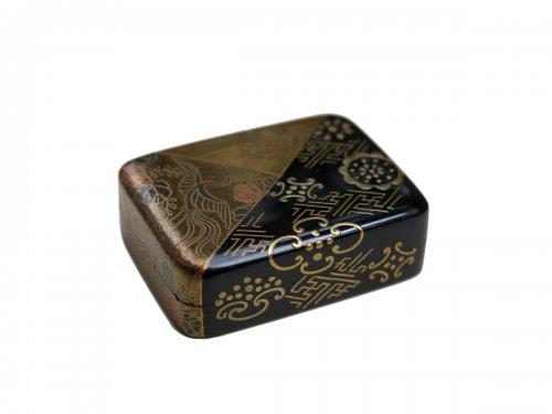 Netsuke Japanese urushi gold and lacquer, Japan EDO