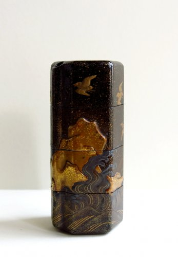 INRO - Unusual and rare shape on a japanese lacquer inro - Asian Art & Antiques Style