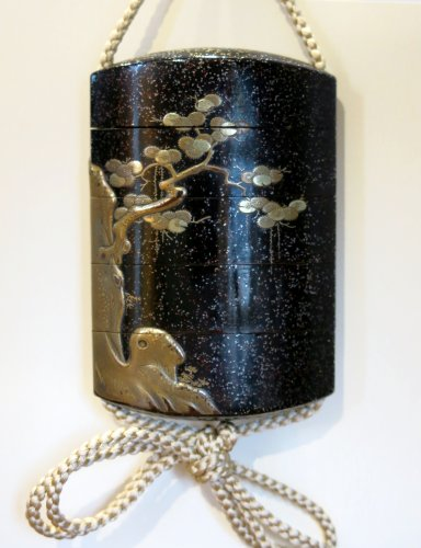 Asian Art & Antiques  - Inro Japanese urushi black and gold lacquer, Shishis. Japan Edo