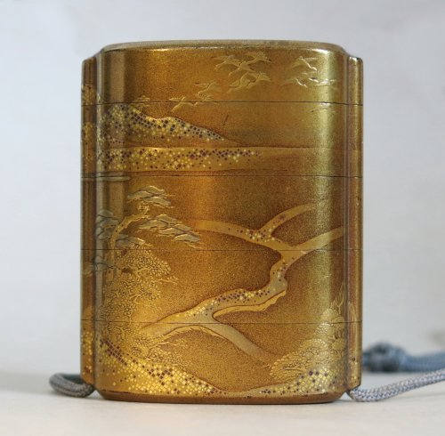 Asian Art & Antiques  - Gold japanese urushi lacquer Inro- Samouraï warriors - Japan EDO