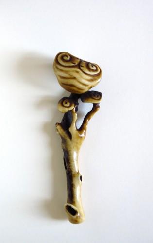 19th century - Netsuke Stag antler obi-hasami of reishi fungus Japan Edo