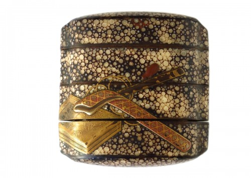 Unusual Inro of shagreen and Japanese urushi lacquer. Japan Edo