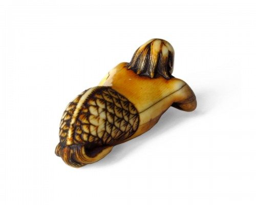 "NETSUKE Mermaid holding a sacred pearl as a shell, the"" Tama"" Japan, Edo"