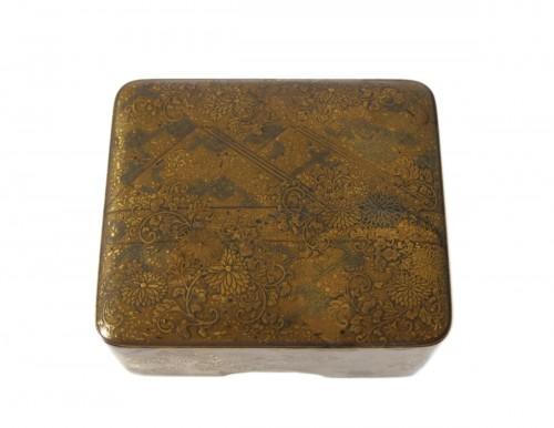 Kobako Small japanese urushi gold lacquer box. Japan Edo