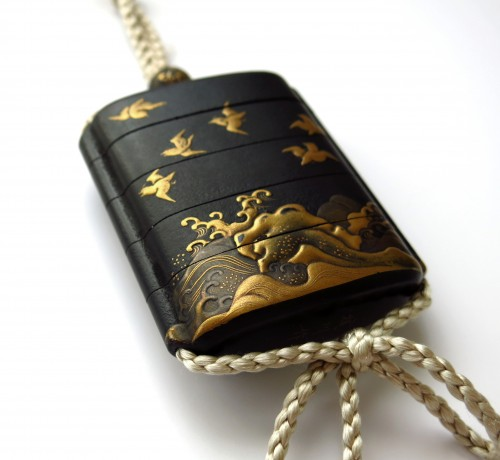 A small japanese lacquer 4 cases Inro, plovers over waves. Japan Edo -