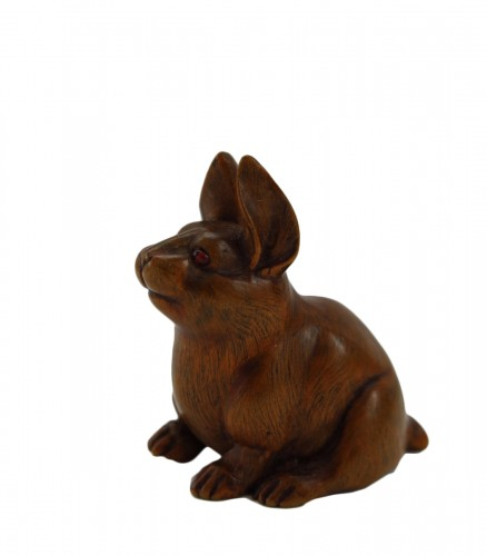 Netsuke, A nice model of a wood carved seated hare. japan Edo