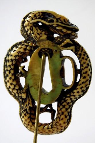 18th century - Rare and powerful representation of a dragon Tsuba. Japan Edo