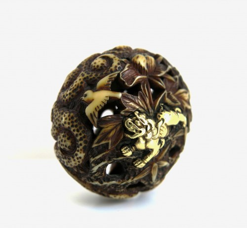 Netsuke – A ivory carved Ryusa Manju Shishi playing. Japan Edo - Asian Art & Antiques Style
