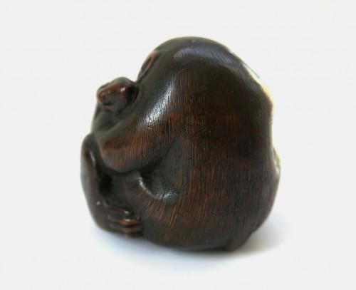 Asian Art & Antiques  - Netsuke or Okimono of monkeys. Japan Edo
