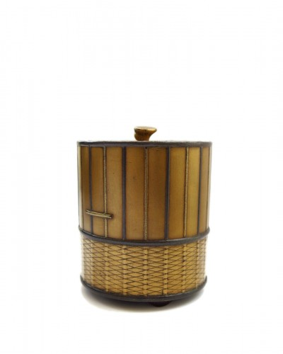 Takigara-Ire  Unusual japanese urushi lacquer box of a cage. Japan Edo