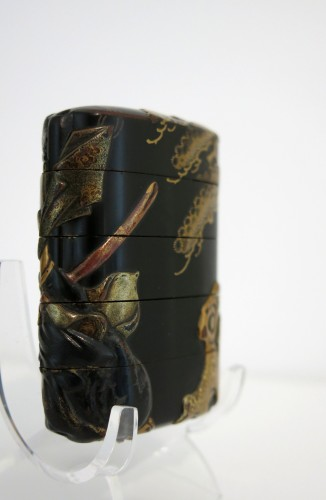 INRO – black japanese urushi lacquer Japan Edo Tadamori and the Oil Thief -