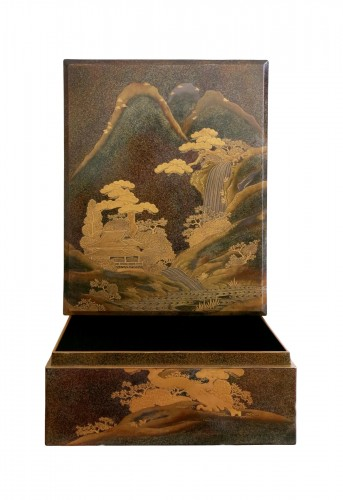 A lacquered  box - RYOSHIBAKO, Japan Meiji, early Taisho era