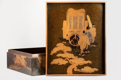 Asian Art & Antiques  - A lacquered  box - RYOSHIBAKO, Japan Meiji, early Taisho era