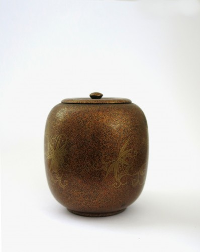 Asian Art & Antiques  - Takigara-Ire Japanese urushi lacquer box. Japan, Edo