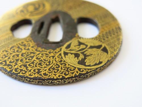 Tsuba Gold flowers, and foliage medallions,  Japan Edo 18th century -