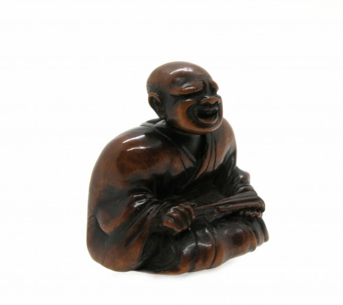 NETSUKE wood carving, theater figure. Japan Edo, 18th century
