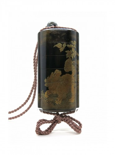 Black, gold and sivler japanese lacquer Inro of a Shishi - Japan Edo