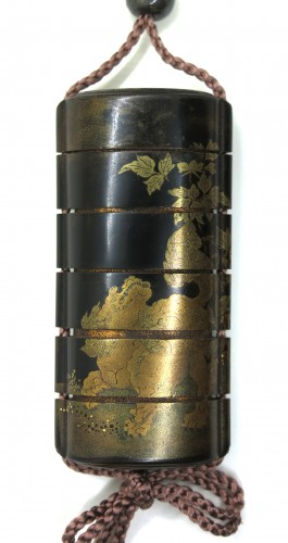 Asian Art & Antiques  - Black, gold and sivler japanese lacquer Inro of a Shishi - Japan Edo