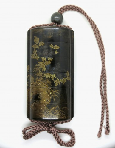 18th century - Black, gold and sivler japanese lacquer Inro of a Shishi - Japan Edo
