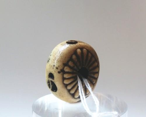 Antiquités - NETSUKE Kagamibuta Stag horn by Mitsuhiro Japan Edo 19th century