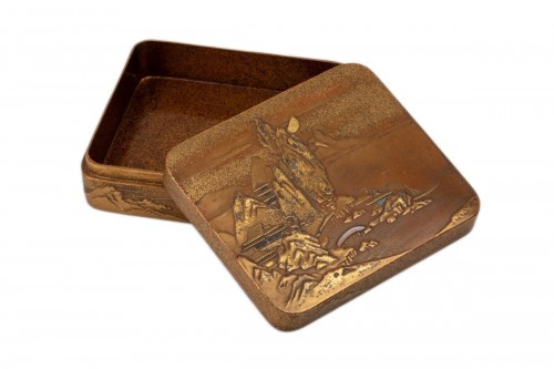 KOBAKO – A gold lacquer box Japan Edo 19th century