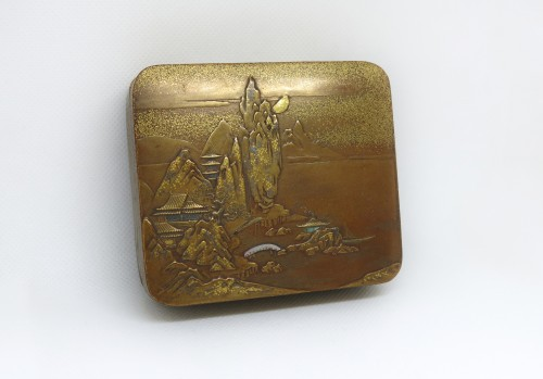 KOBAKO – A gold lacquer box Japan Edo 19th century -