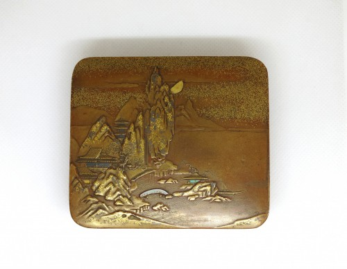 Antiquités - KOBAKO – A gold lacquer box Japan Edo 19th century