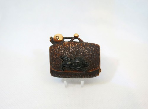 Asian Art & Antiques  - NETSUKE – A model of a leather pouch. Japan Edo