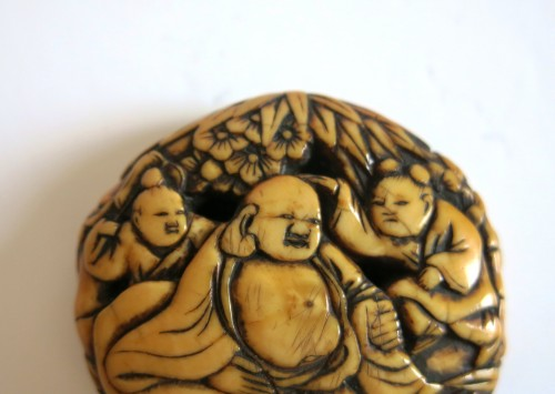 Netsuke - Ryusa Manju Hoteï and Karako. Japan Edo -