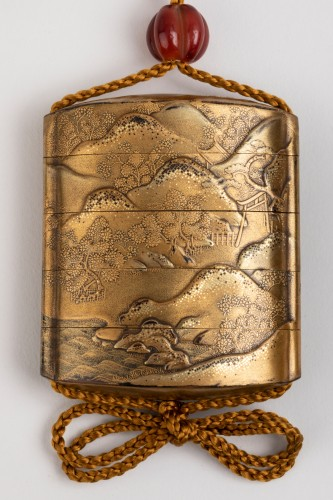 Asian Art & Antiques  - Inro - Gold japanese lacquer. Japan Edo