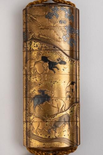 - INRO with Horses. Japan Edo 18th century