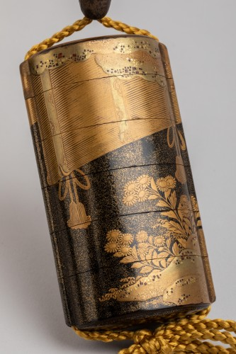 Asian Art & Antiques  - Inro - Gold lacquer of Sudare. Japan Edo