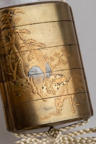 Asian Works of Art  - Gold japanese lacquer Inro, with 4 cases Japan Edo