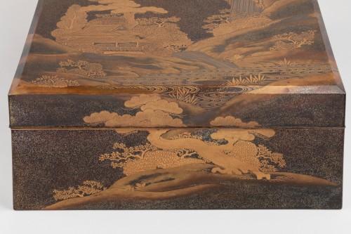 Asian Works of Art  - A lacquer  box - RYOSHIBAKO, Japan Meiji, early Taisho era