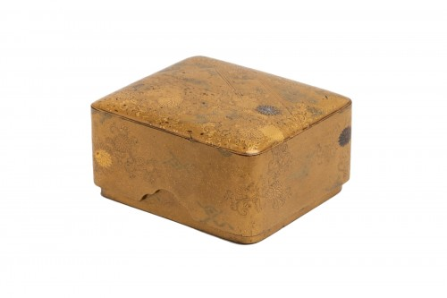 KOBAKO – Small japanese urushi gold lacquer box names komori Japan XVIIIe