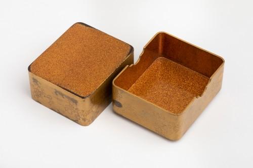 Asian Art & Antiques  - KOBAKO – Small japanese urushi gold lacquer box names komori Japan XVIIIe
