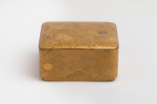 KOBAKO – Small japanese urushi gold lacquer box names komori Japan XVIIIe -