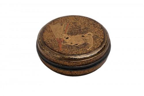 KÔGÔ – A circular japanese lacquer box for incense. Japan Edo