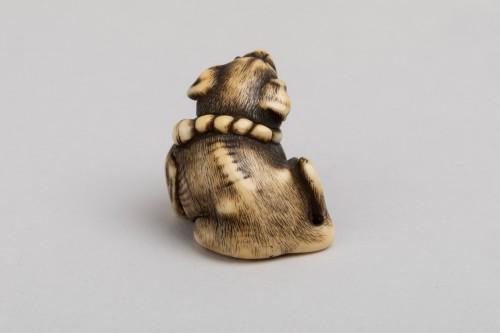 Netsuke by Masatomo - lovely model of a small dog, Japan Edo -