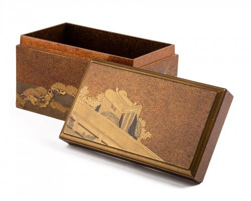 Gold lacquer Inrobuta decorated with Gosho-gurama/Gissha (cart) Japan 18th