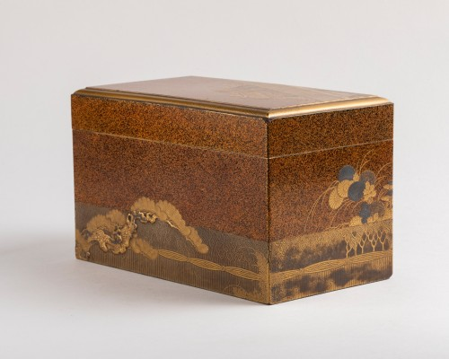 Gold lacquer Inrobuta decorated with Gosho-gurama/Gissha (cart) Japan 18th -