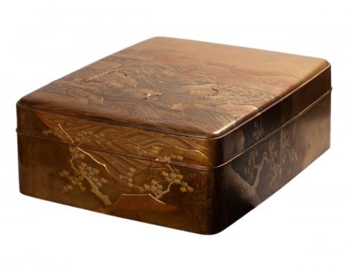 Ryoshibako - Gold laquer document box Japan Edo 19th century