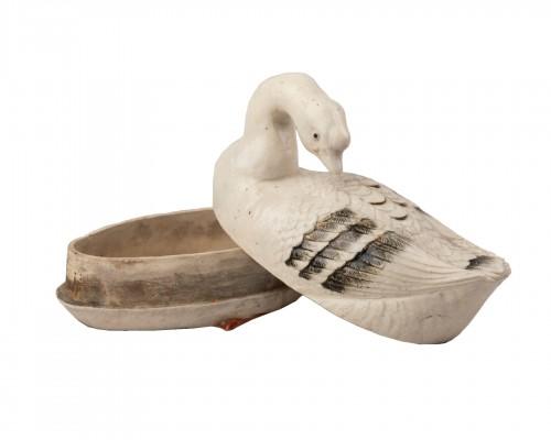 Goose shaped ceramic kogo, Japon Edo 18th century