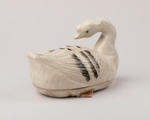Goose shaped ceramic kogo, Japon Edo 18th century -